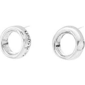 Uno De 50 Osiris Earrings
